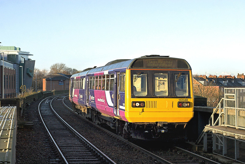 142048 Warrington Central 5/12/2012<br /> 2H40 0826 Liverpool Lime Street-Manchester Oxford Road