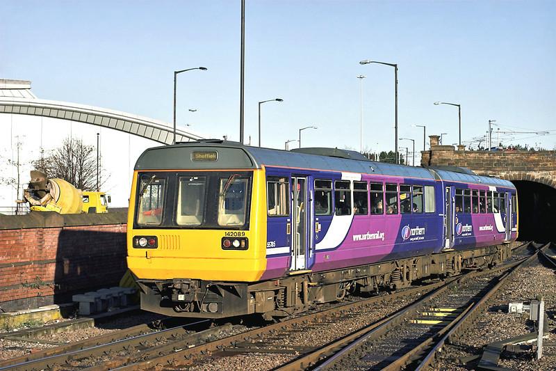 142089 Sheffield 5/12/2012<br /> 2R64 1015 Adwick-Sheffield