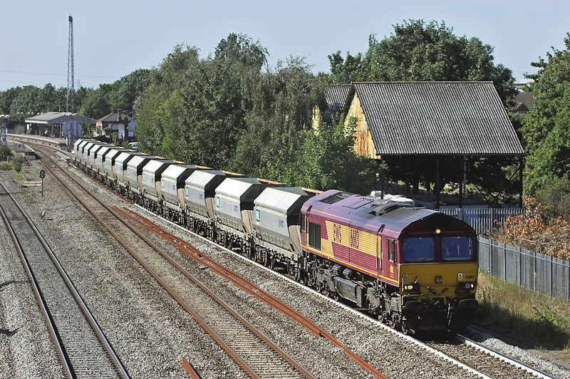 66113 West Drayton 7/9/2012<br /> 6M20 1037 Whatley Quarry-St Pancras Terminal