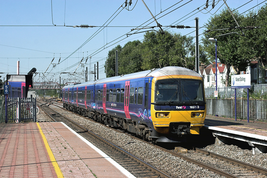 165113 West Ealing 7/9/2012<br /> 2P39 1018 Reading-London Paddington