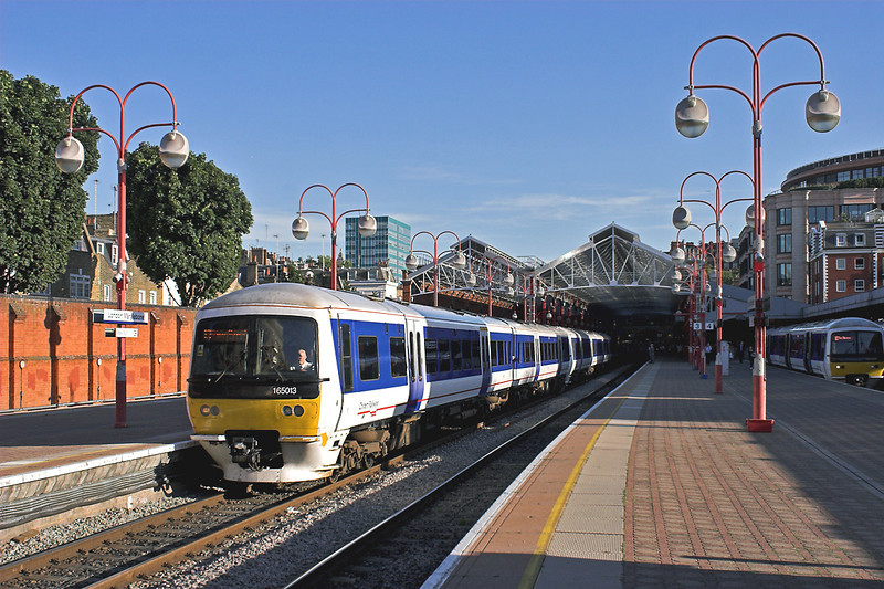 165013 and 165007, London Marylebone 7/9/2012<br /> 1P52 1743 London Marylebone-Princes Risborough