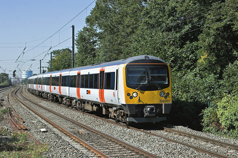 360201 Hanwell 7/9/2012<br /> 2Y32 1127 Heathrow Terminals 123-London Paddington