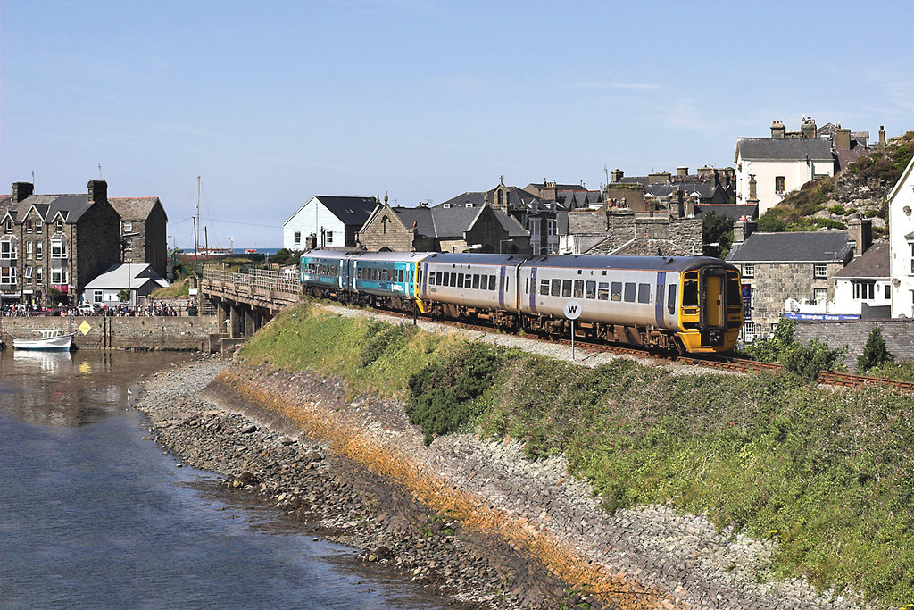 158819 and 158836, Barmouth 9/8/2012<br /> 2J07 1054 Machynlleth-Pwllheli