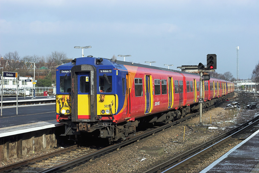5859 and 5736, Wimbledon 10/2/2012<br /> 2M31 1246 London Waterloo-Chessington South