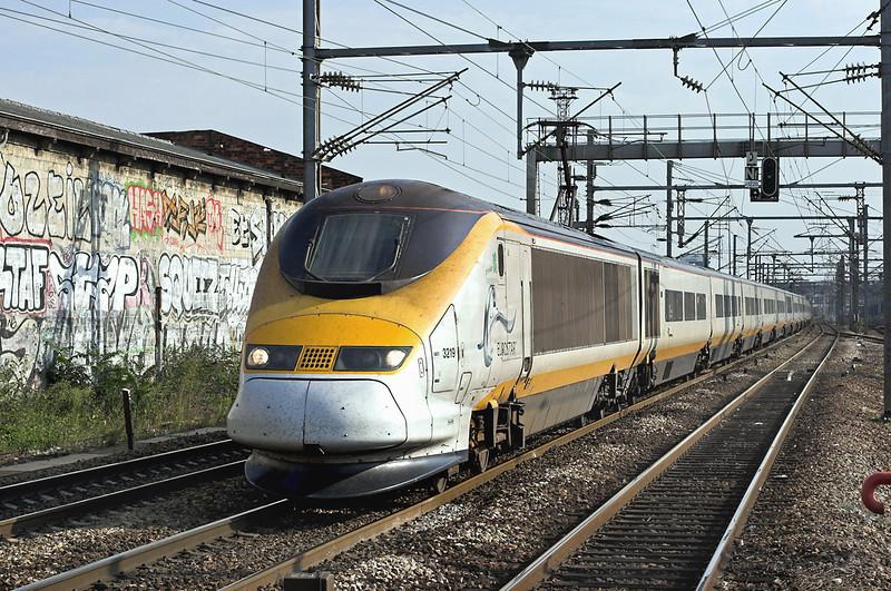 3219 and 3220, Saint-Denis 10/9/2012<br /> 9O47 1713 Paris Nord-London St Pancras International
