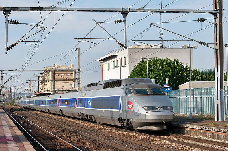 TGV14 and TGV97, Saint-Denis 10/9/2012<br /> TGV7066 1611 Lille Flandres-Paris Nord