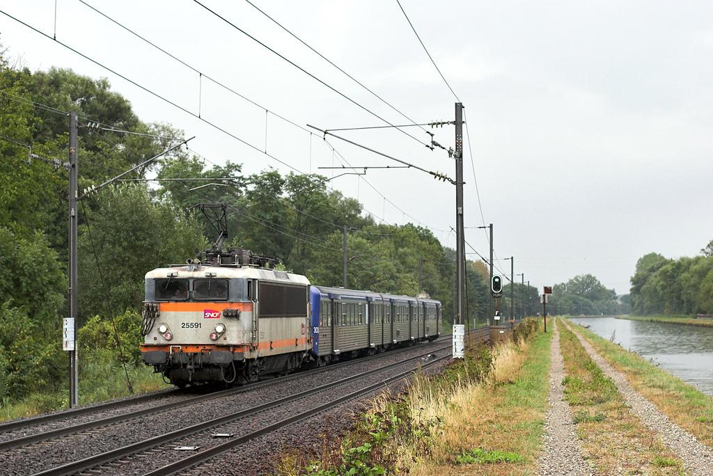 525591 Steinbourg 11/9/2012<br /> 830118 1625 Strasbourg-Saverne