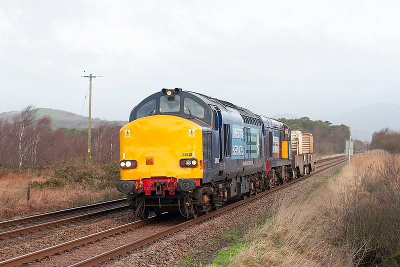 37612 and 20309, Green Road 12/1/2012<br /> 6C53 0630 Crewe CLS-Sellafield