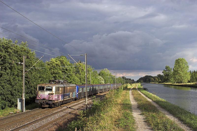 525607 Steinbourg 13/9/2012<br /> 830122 1725 Strasbourg-Saverne