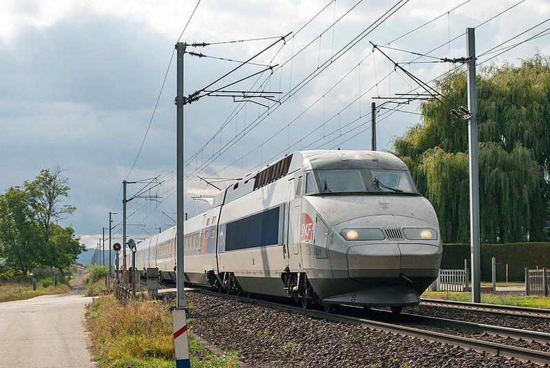 TGV501 Hochfelden 13/9/2012<br /> TGV5443 1036 Bordeaux St Jean-Strasbourg