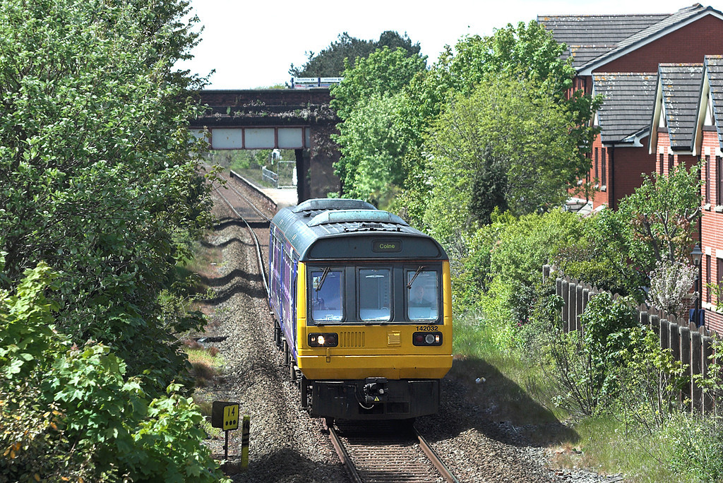 142032 Ansdell and Fairhaven 16/5/2012<br /> 2N14 1344 Blackpool South-Colne