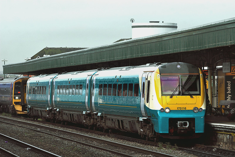 175116 Cardiff Central 19/10/2012<br /> 1W17 0705 Milford Haven-Manchester Piccadilly