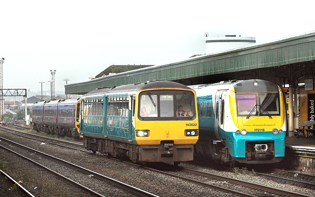 143622 and 175116, Cardiff Central 19/10/2012<br /> 175116: 1W17 0705 Milford Haven-Manchester Piccadilly