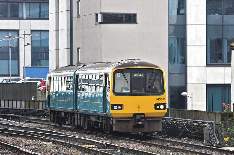 143614 Cardiff Central 19/10/2012<br /> 2V13 0945 Coryton-Radyr