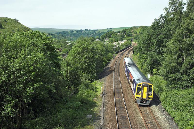 158794 Horsfall Tunnel 20/6/2012<br /> 1B21 0829 Blackpool North-York