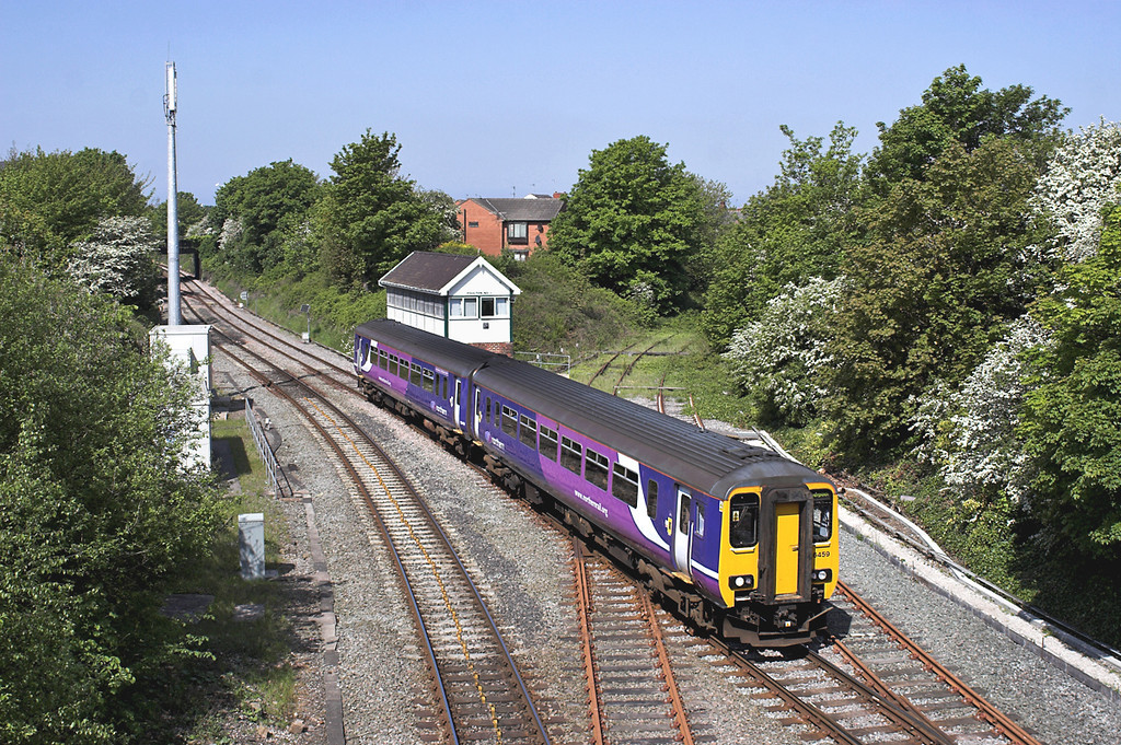 156459 Poulton-le-Fylde 21/5/2012<br /> 2F63 1037 Blackpool North-Liverpool South Parkway
