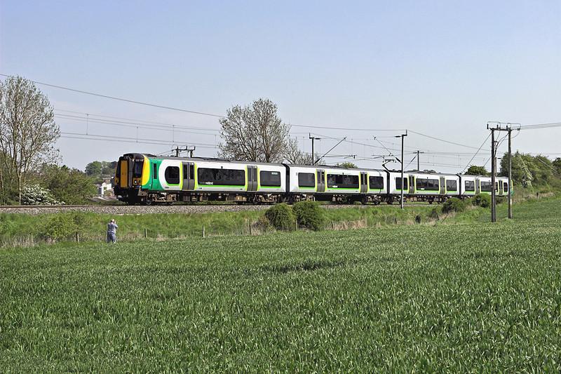 350110 Long Buckby 22/5/2012<br /> 2Y73 1509 Northampton-Birmingham New Street