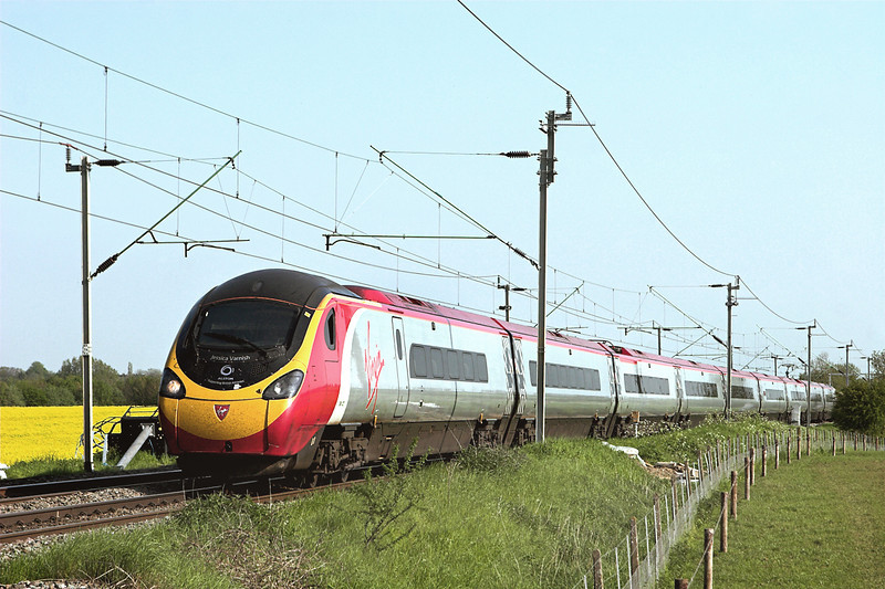 390027 Watford 22/5/2012<br /> 1S82 1630 London Euston-Glasgow Central