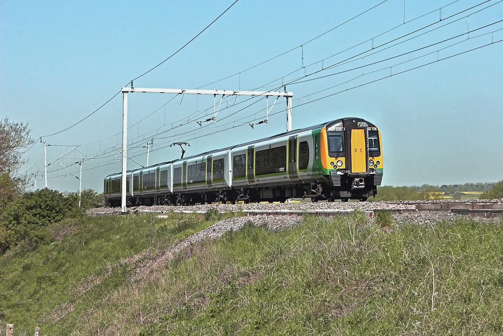 350128 Church Brampton 22/5/2012<br /> 1Y74 1013 Birmingham New Street-London Euston