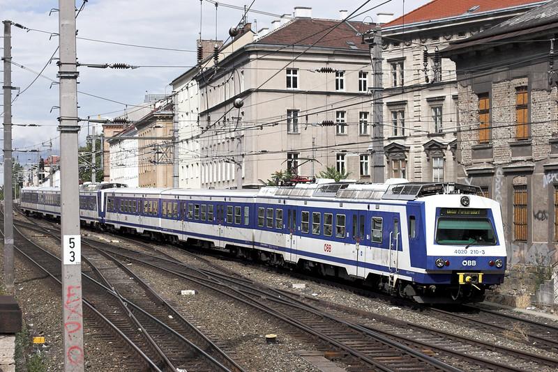 4020 210 Wien Mitte 25/6/2012<br /> S15 1457 Mistelbach-Unter Purkersdorf