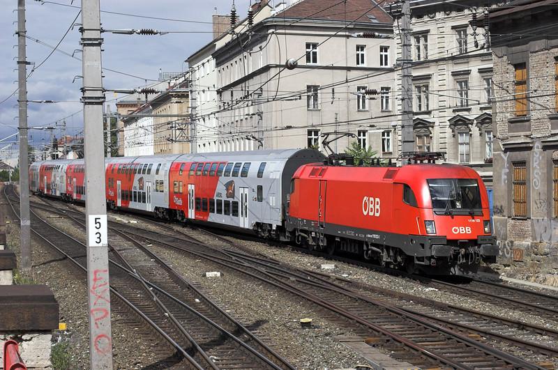 1116 123 Wien Mitte 25/6/2012<br /> R2247 1549 Wien Florisdorf-Wiener Neustadt Hbf