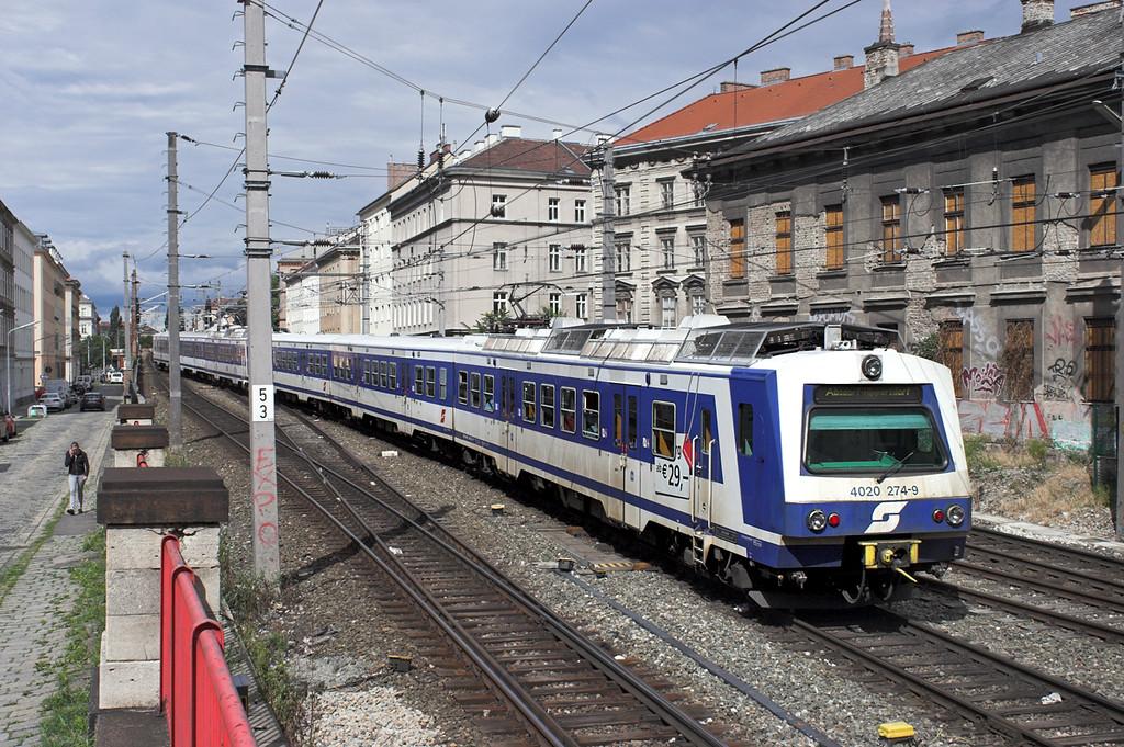 4020 274 Wien Mitte 25/6/2012<br /> S5 1443 Wiener Neustadt Hbf-Absdorf Hippersdorf
