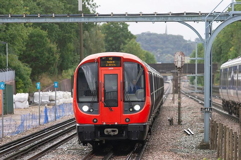 Metropolitan Line 21070, Pinner 26/9/2012