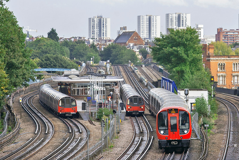 Metropolitan Line 21082 and Jubilee Line 96024 and 96090, Kilburn 26/9/2012