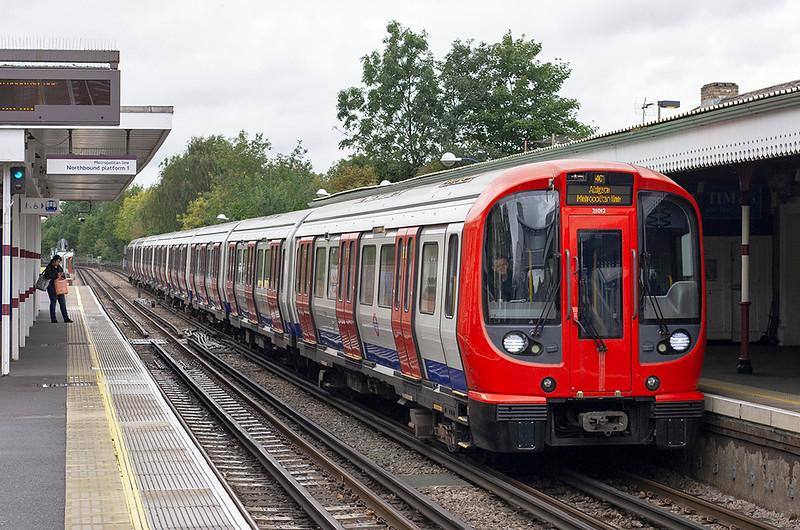 Metropolitan Line 21012, Pinner 26/9/2012