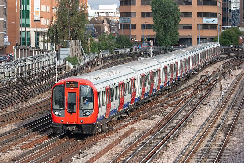 Metropolitan Line 21038, Harrow on the Hill 26/9/2012