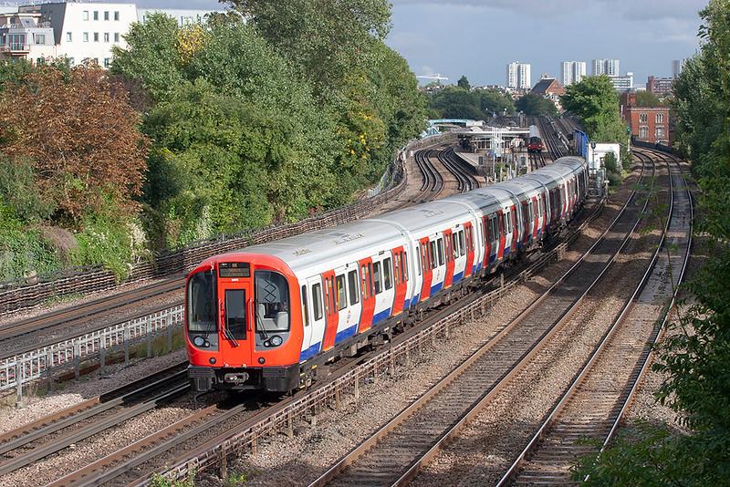 Metropolitan Line 21072, Kilburn 26/9/2012