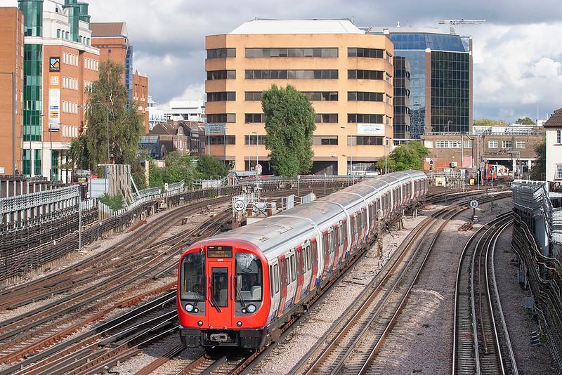 Metropolitan Line 21079, Harrow-on-the-Hill 26/9/2012
