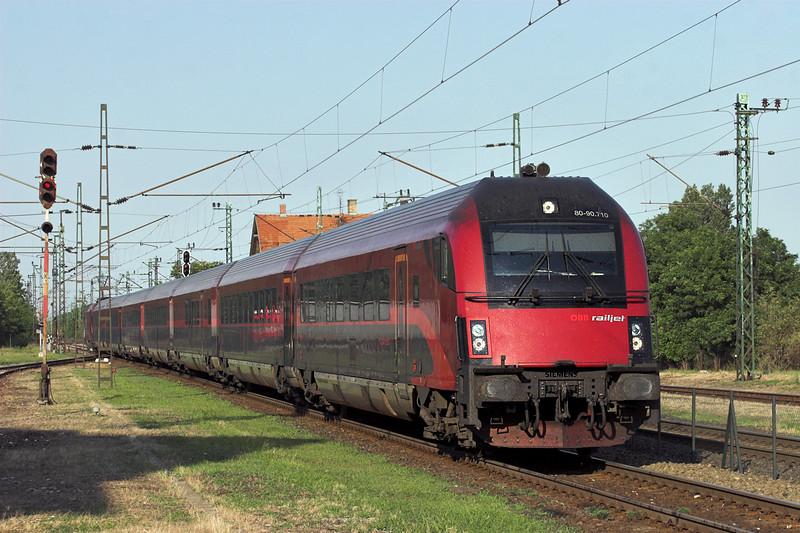 1116 210 (on rear) Nagyszent János 27/6/2012<br /> RJ42 1710 Budapest Keleti pu-Salzburg Hbf
