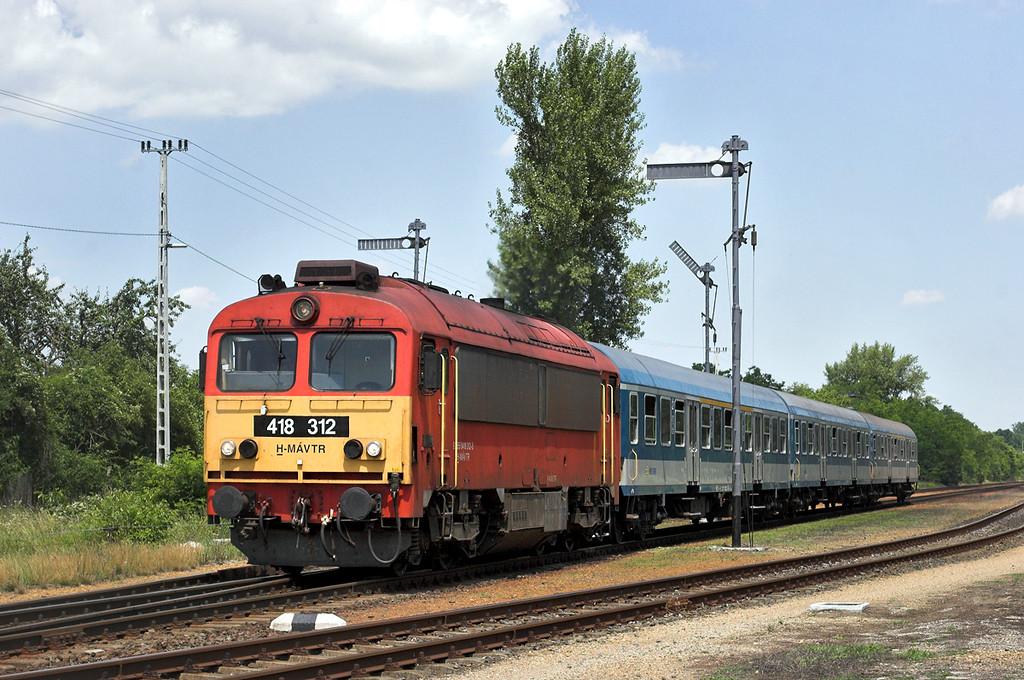 418312 Gesce-Gyarmat 27/6/2012<br /> 9202 1038 Budapest Keleti pu-Szombathely