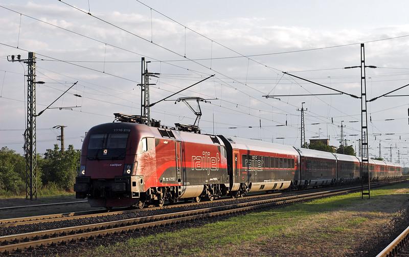 1116 219 Nagyszent János 27/6/2012<br /> RJ67 1327 München Hbf-Budapest Keleti pu