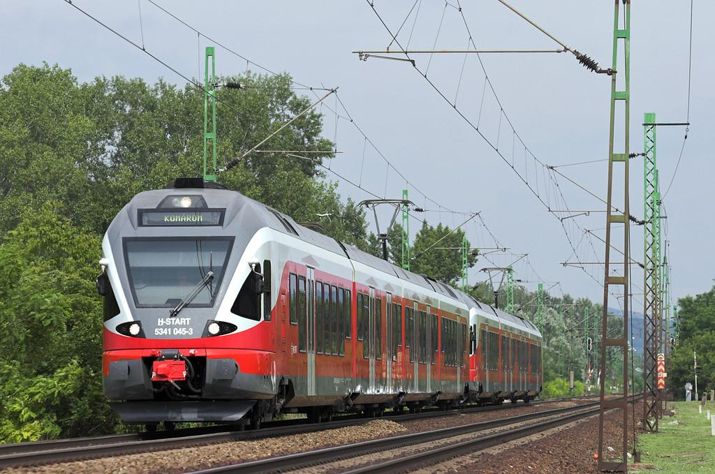 5341 045 and 5341 058, Szöny 28/6/2012<br /> 4816 1521 Budapest Déli pu-Komárom