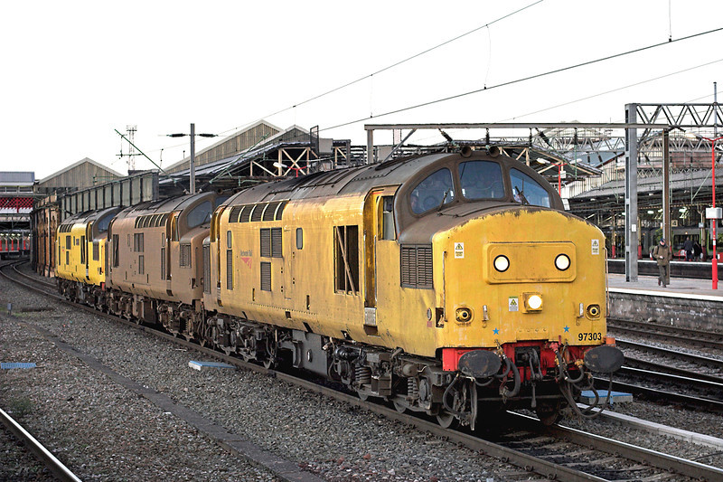 97303, 97302 and 97304, Crewe 28/11/2012<br /> 0Z97 1600 Crewe IEMD-Bescot