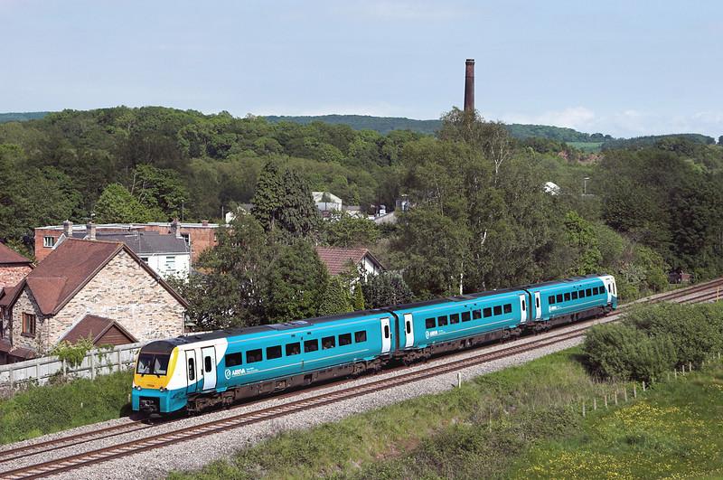175104 Ponthir 29/5/2012<br /> 1V85 1330 Manchester Piccadilly-Tenby