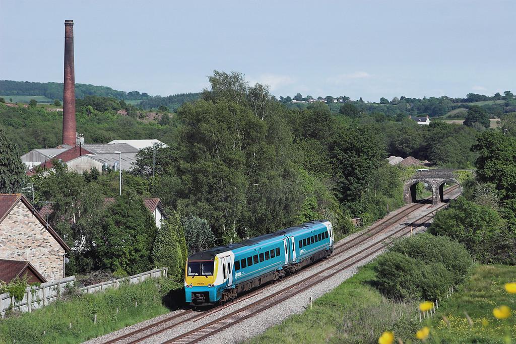 175003 Ponthir 29/5/2012<br /> 1V87 1430 Manchester Piccadilly-Milford Haven