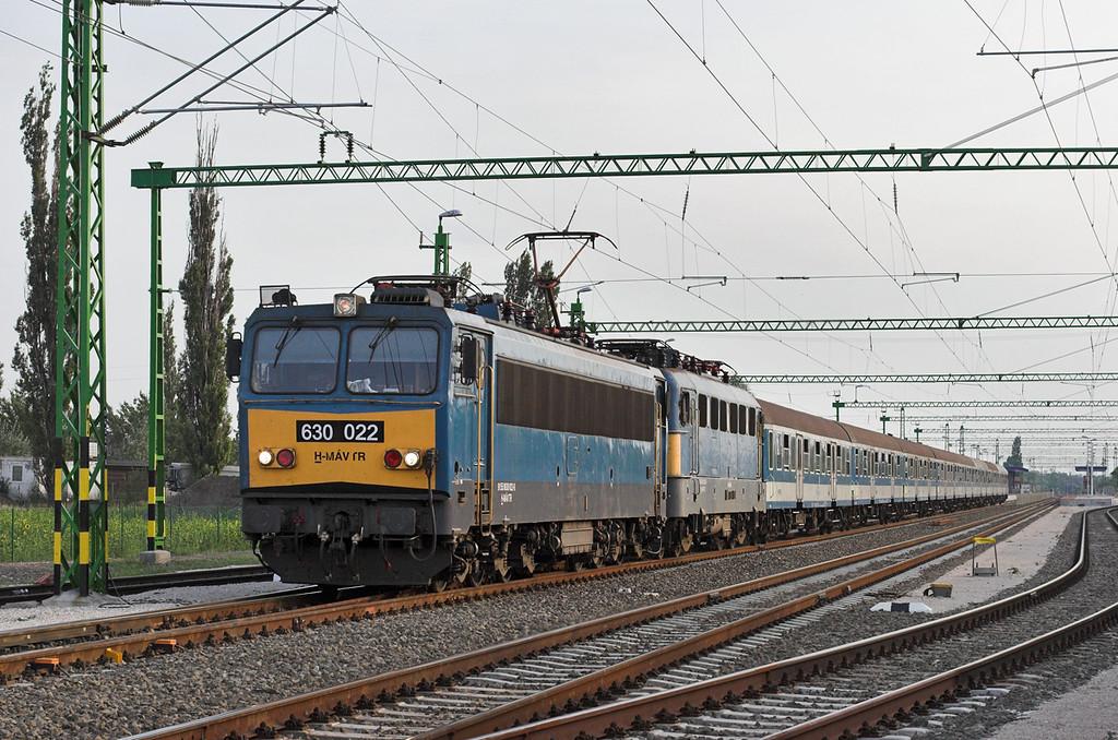 630022 and 431297, Kápolnásnyék 29/6/2012<br /> 15008 1535 Keszthely-Budapest Déli pu