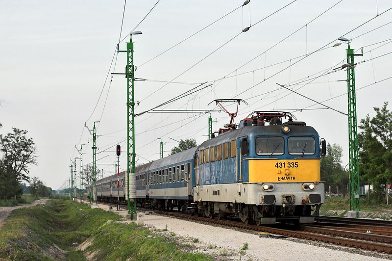 431335 Kápolnásnyék 29/6/2012<br /> 978 1826 Budapest Déli pu-Tapolca
