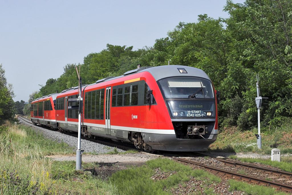 6342 025 and 6342 013, Balatonfökajár Felsö 29/6/2012<br /> 9729 0530 Tapolca-Székesfehévár