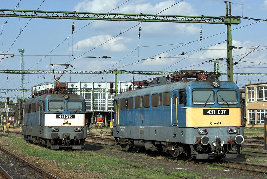 431007 and 431290, Székesfehévár 29/6/2012