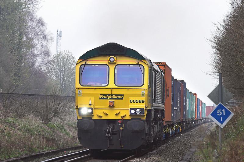 66589 East Oakley 30/3/2012<br /> 4O14 0700 Birch Coppice-Southampton MT