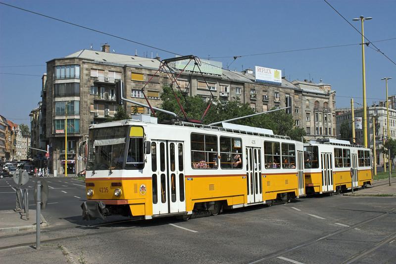 4235 and 4111, Budapest Déli 30/6/2012
