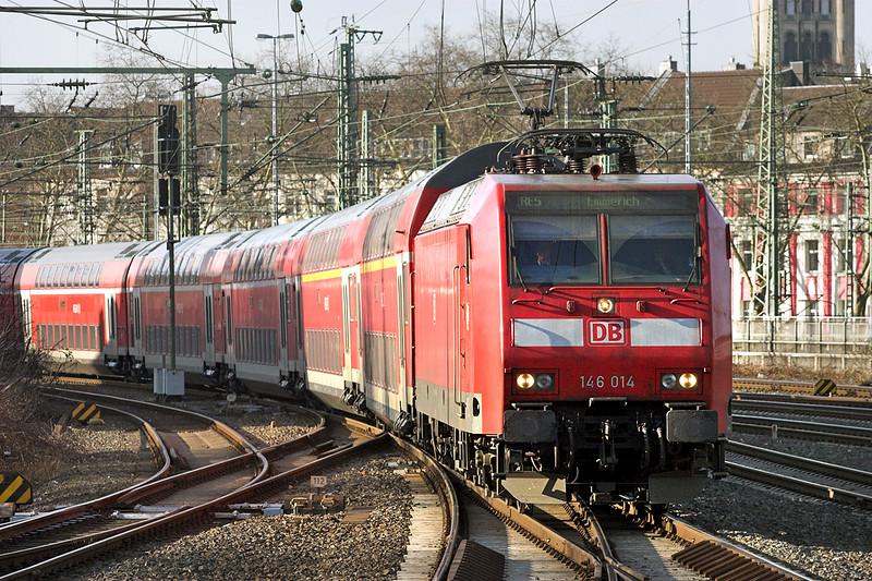 146014 Düsseldorf Hbf 5/3/2013<br /> RE10508 0716 Koblenz Hbf-Emmerich