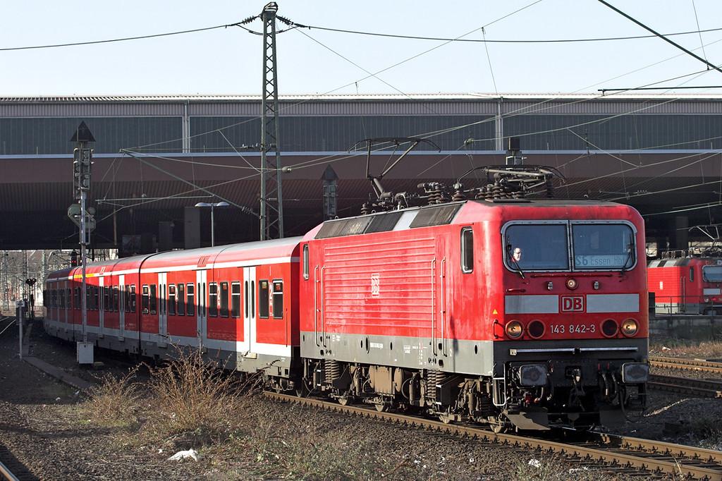 143842 Düsseldorf Hbf 5/3/2013<br /> S6 0832 Köln Nippes-Essen Hbf