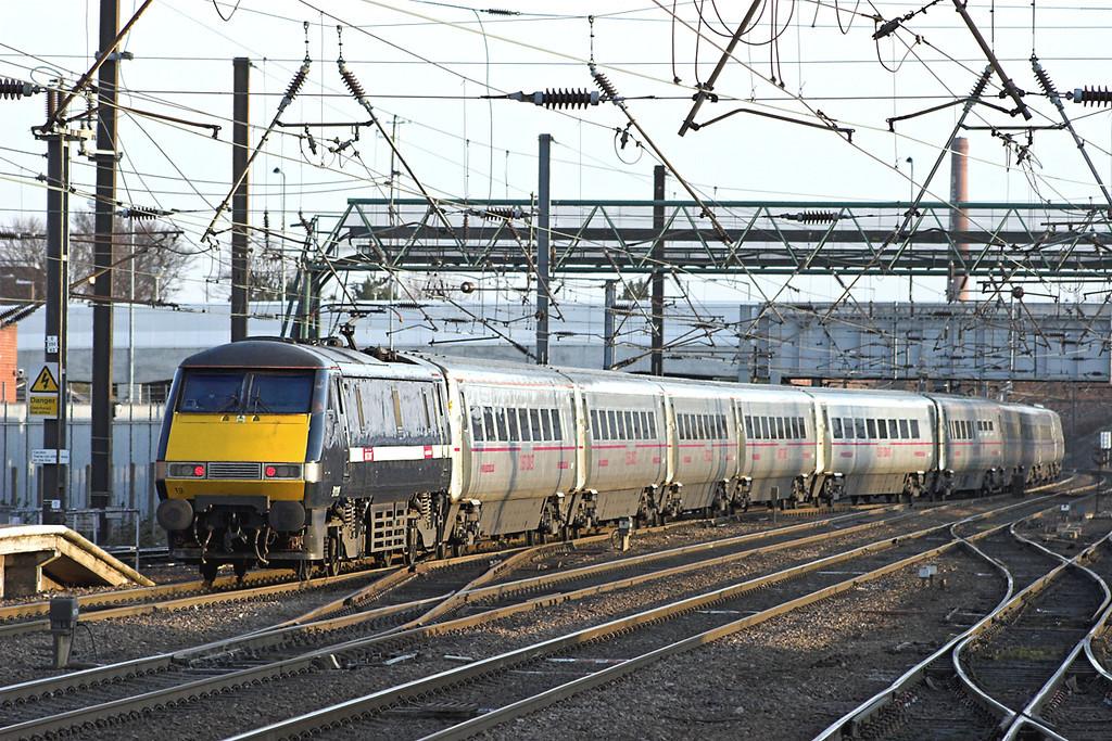 91119 Doncaster 6/4/2013<br /> 1E22 1600 Edinburgh-London Kings Cross
