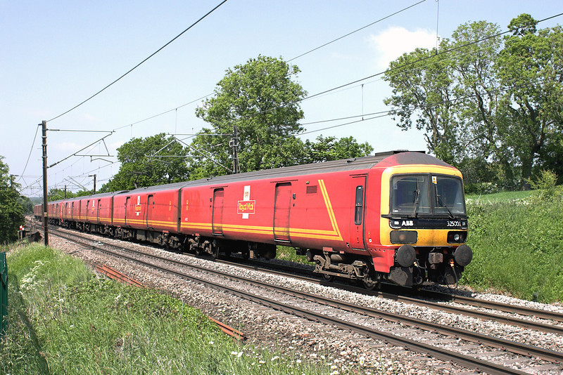 325001 and 325012, Acton Bridge 6/6/2013<br /> 5J01 1240 Warrington RMT-Crewe IEMD