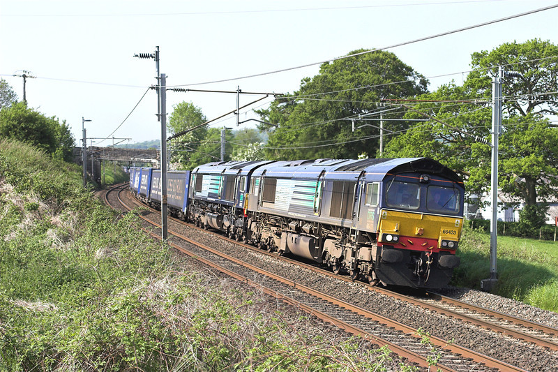 66433 and 66422, Burton-in-Kendal 6/6/2013<br /> 4S43 0619 Daventry-Mossend